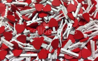 30mm Red Loveheart White Pegs