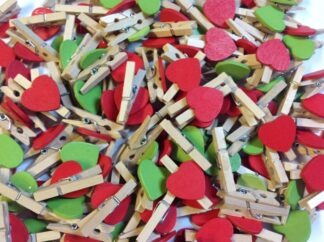 30mm Red & Green Mix Heart Pegs