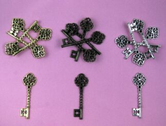 Twisted Heart Flatback Keys